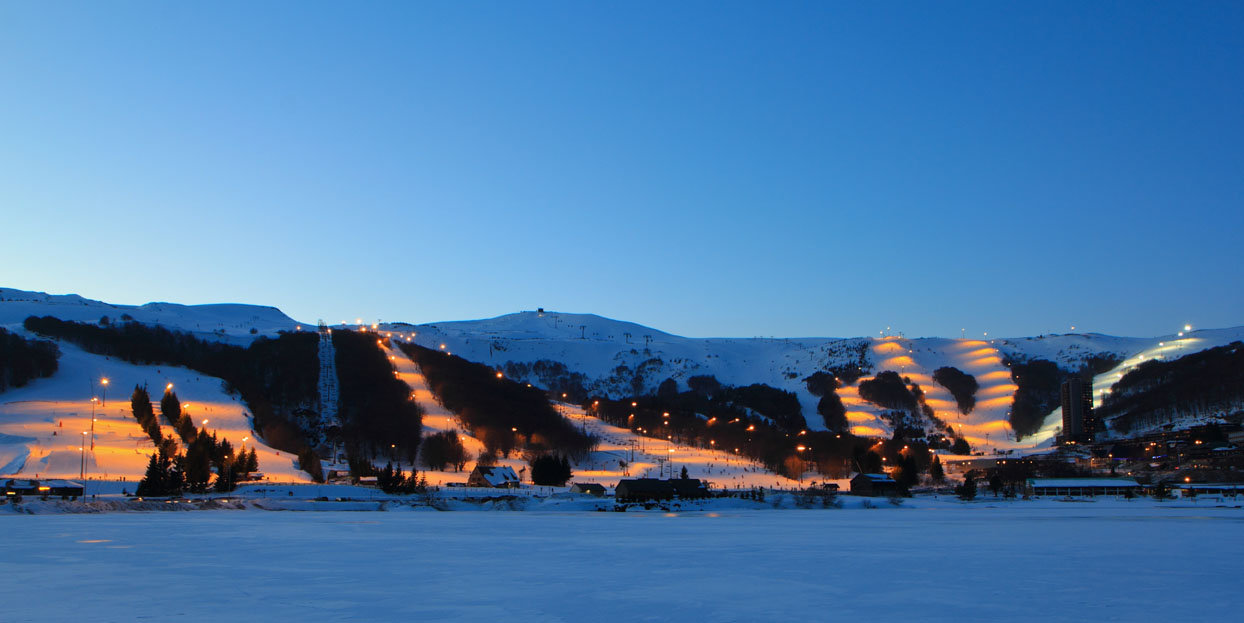 Ambiance nocturne à Besse Super Besse - © Office de Tourisme Massif du Sancy