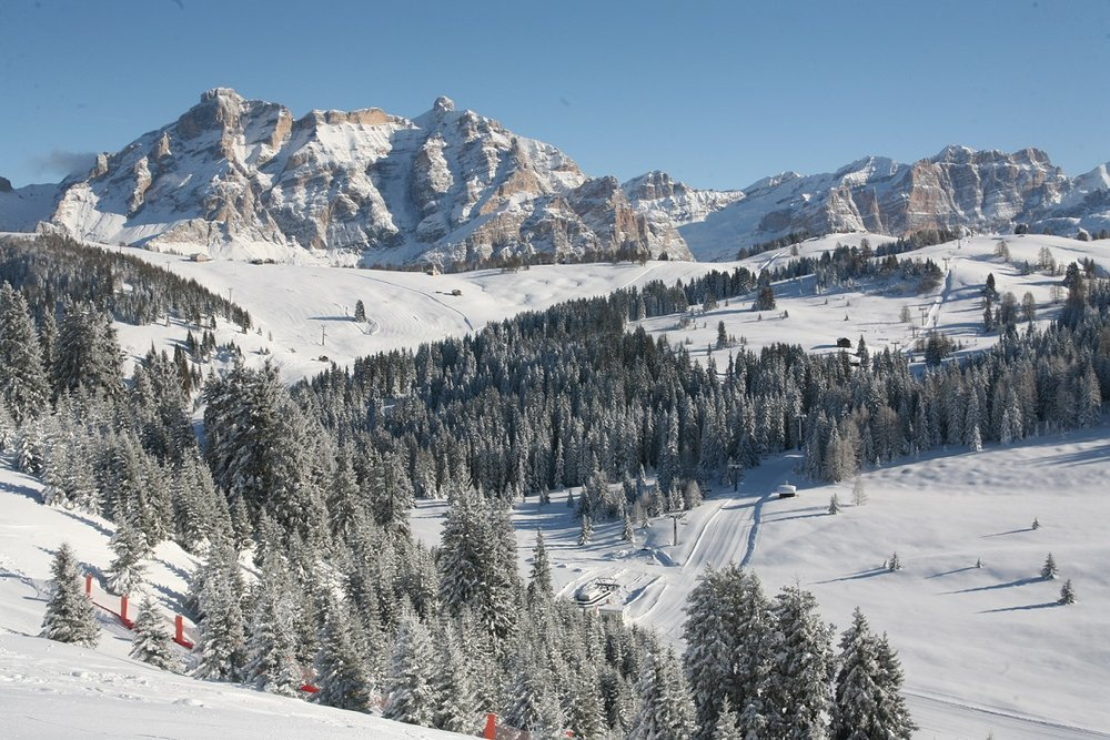 Dolomiti Superski - Ski safari. Credit Alta Badia Tourism - ©Alta Badia