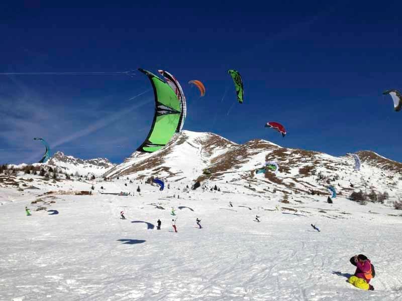Snowkitting na snežných planinách