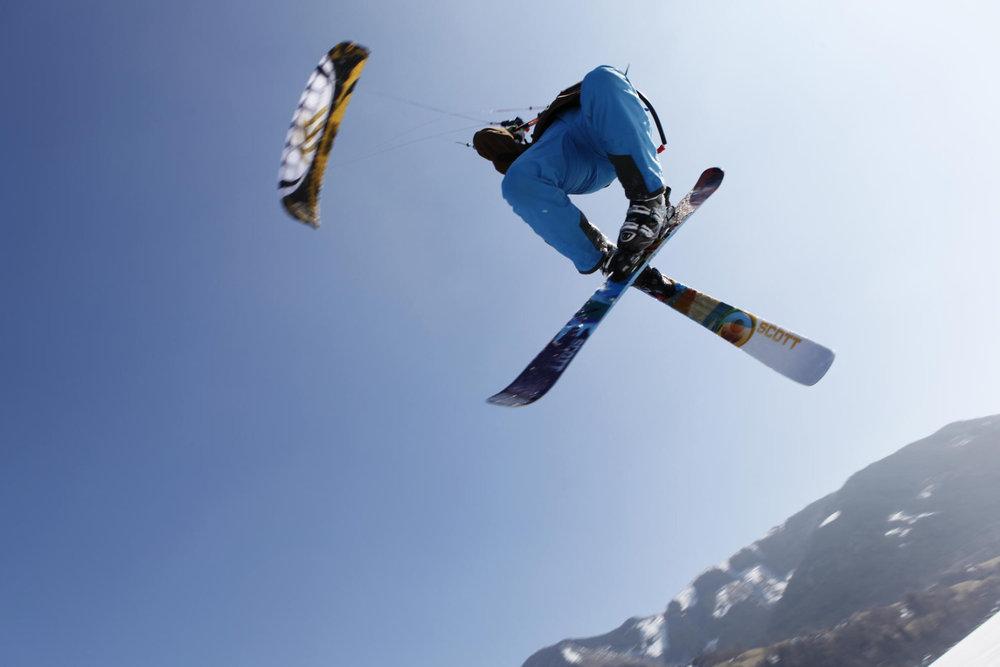 Snowkiter Christoph Volk am Feldberg - © Sandra Reiling/Kiteschule Skywalker