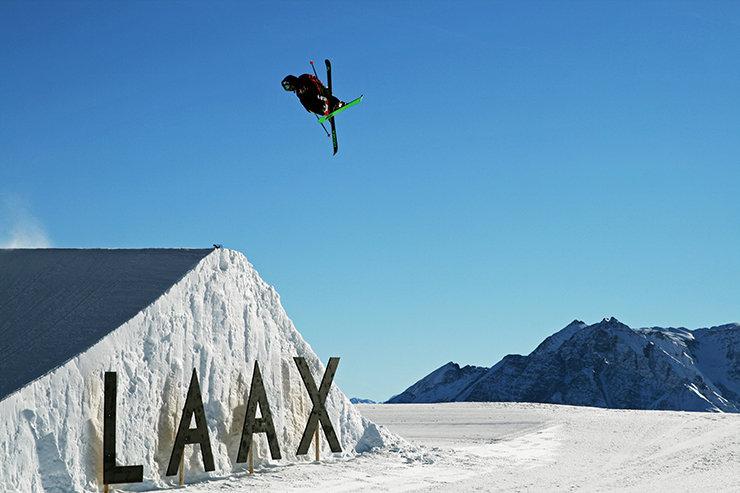 X für Laax - die neue Pro Kicker Line ist die neue Heimat der Freeskier am Crap Sogn Gion - © Stefan Drexl