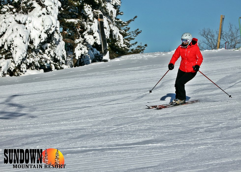 Enjoying making turns at Sundown Mountain - ©Sundown Mountain