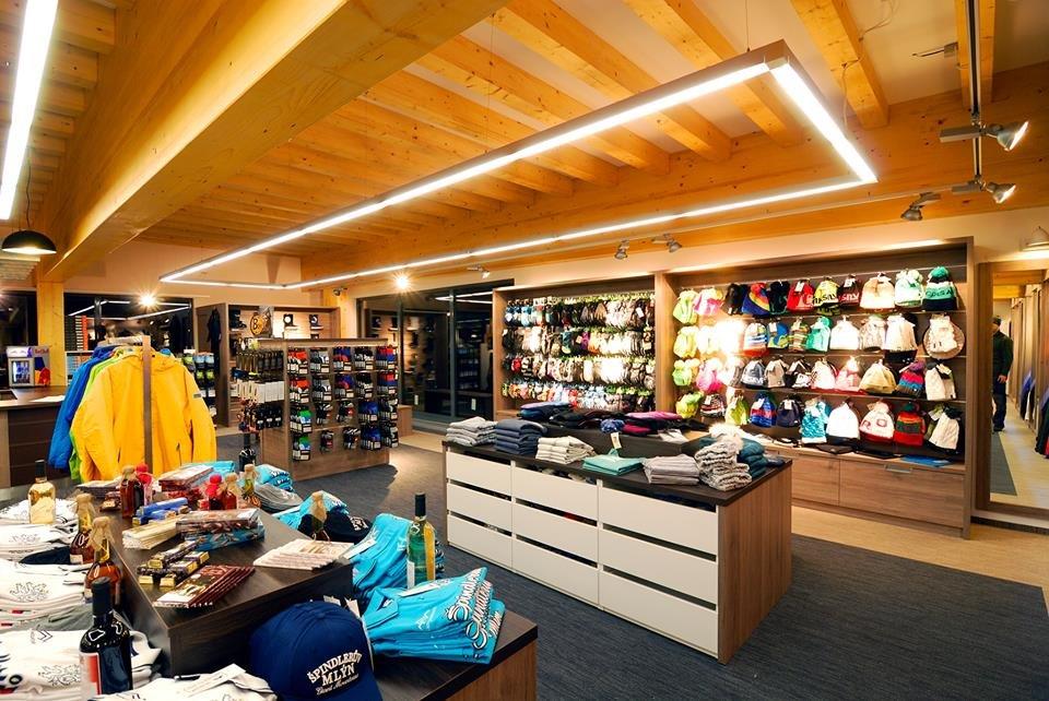 Špindlerův Mlýn: Shop & Rental - ©Špindlerův Mlýn FB