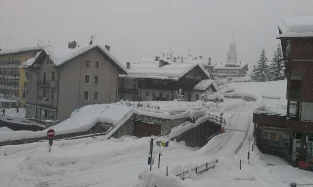 Snowing in Cortina. More then 35 cm so far.