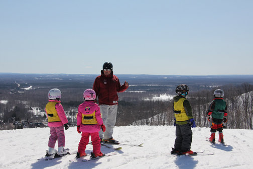 Young skiers get instruction at Michigan's Crystal Mountain - © Crystal Mountain