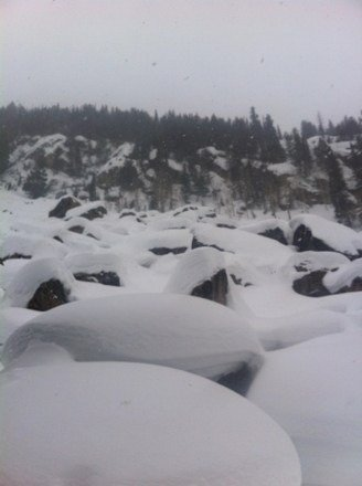 The storm has arrived. Great day out there, started snowing again a few hours ago. Pic is from Fish Creek canyon today.