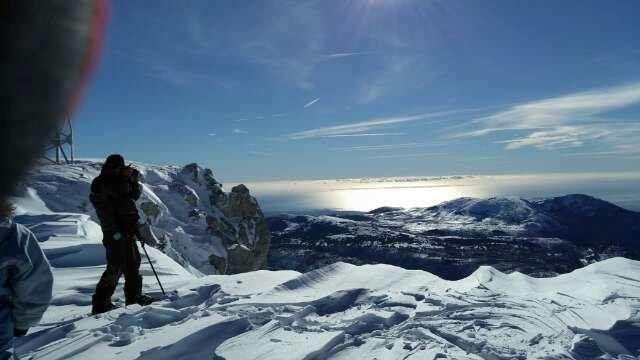 super neige. 1m80 en haut... 1m30 en bas.... poudreuse, douce et soleil.... vue sur la Corse....