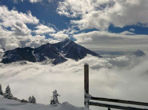 11am yesterday top of Bear Claw