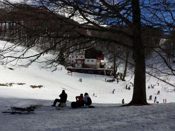 neve primaverile ma si scia bene, piste tutte aperte, giornata fantastica