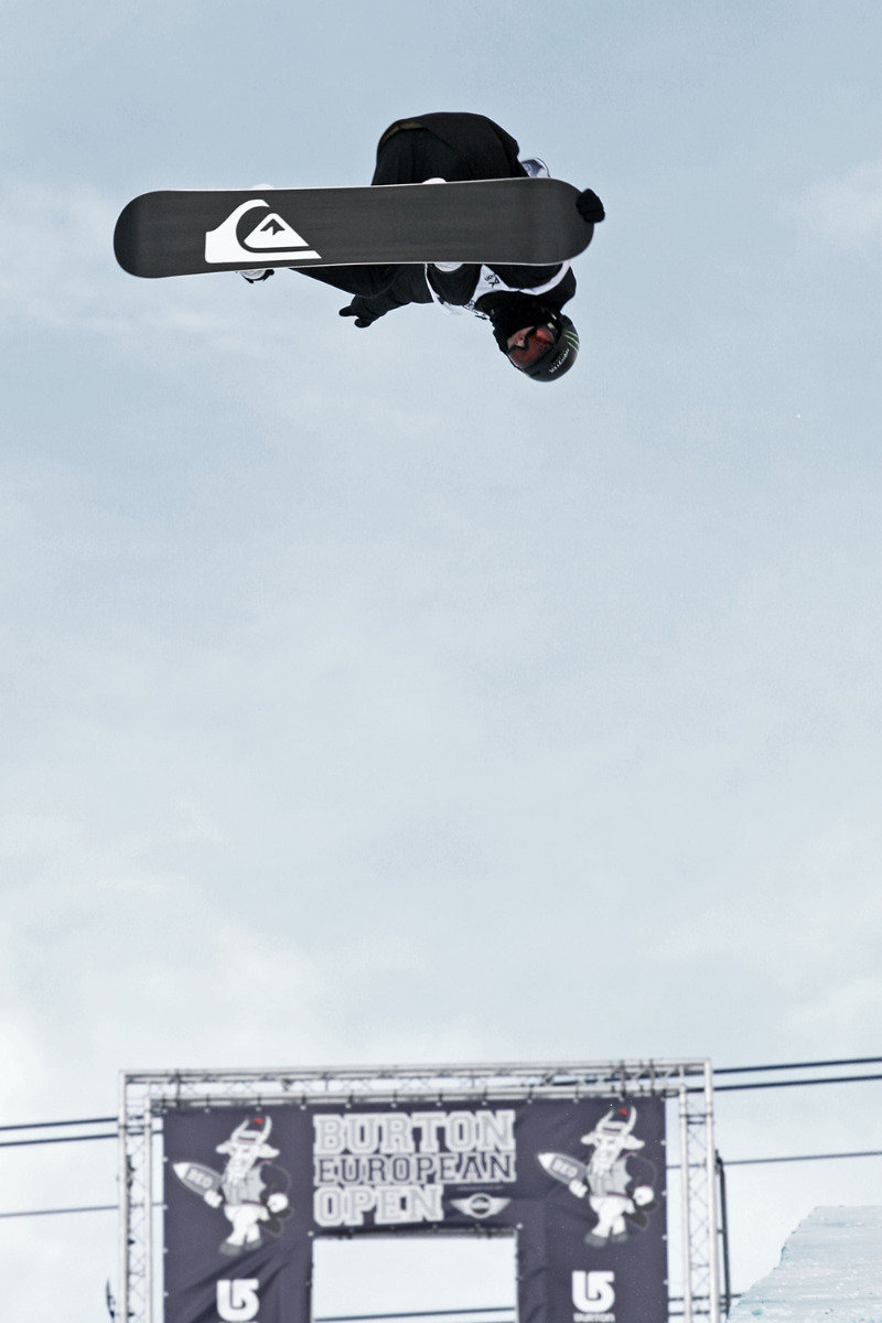 Iouri Podladtchikov im Halfpipe Final der Burton European Open 2014 - © Stefan Drexl