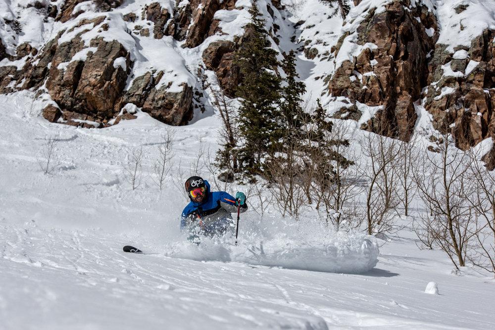 Crushing powder turns at Snowmass. Skier G.R. Fielding - ©Liam Doran