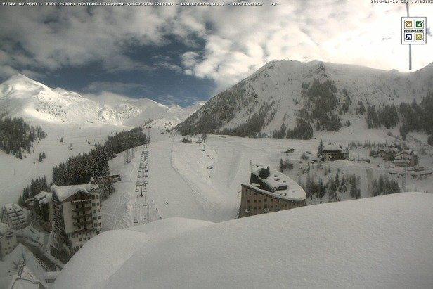 Foppolo - Durante e dopo l'ultima nevicata del weekend | 18-19 Gen 2014