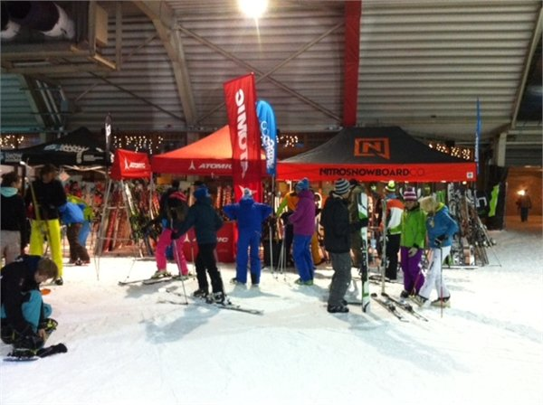 Gear testing event at Dutch indoor centre SnowWorld - © SnowWorld