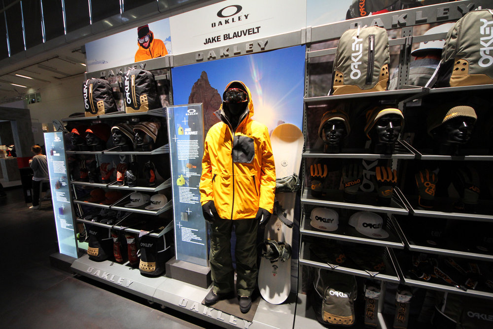 Jake Blauvelt collection at Oakley stand - © Skiinfo