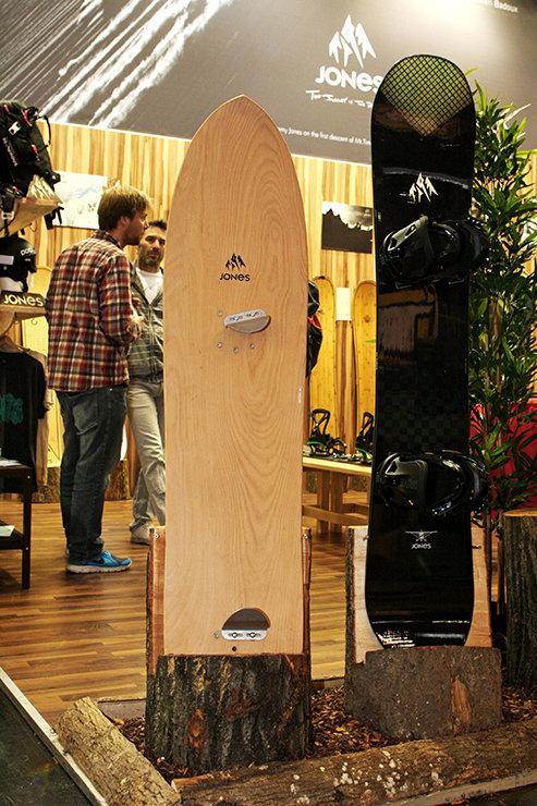 Jonas Powder Surfer 139cm - ©Stefan Drexl