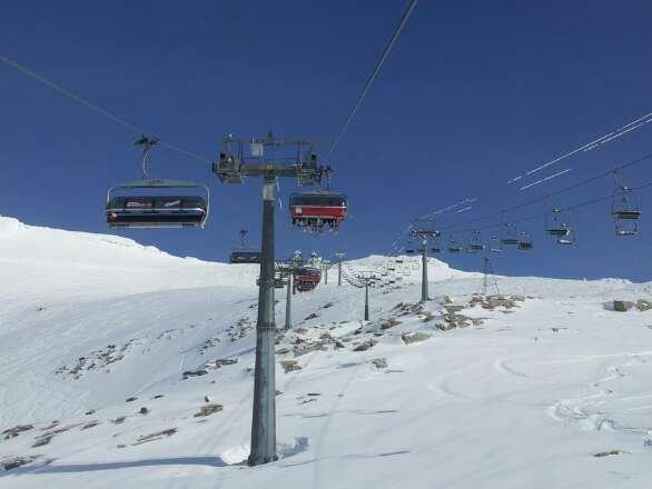 Tolle Pisten, super Sicht....ein traumhafter Skitag am Mölli - © gerdi