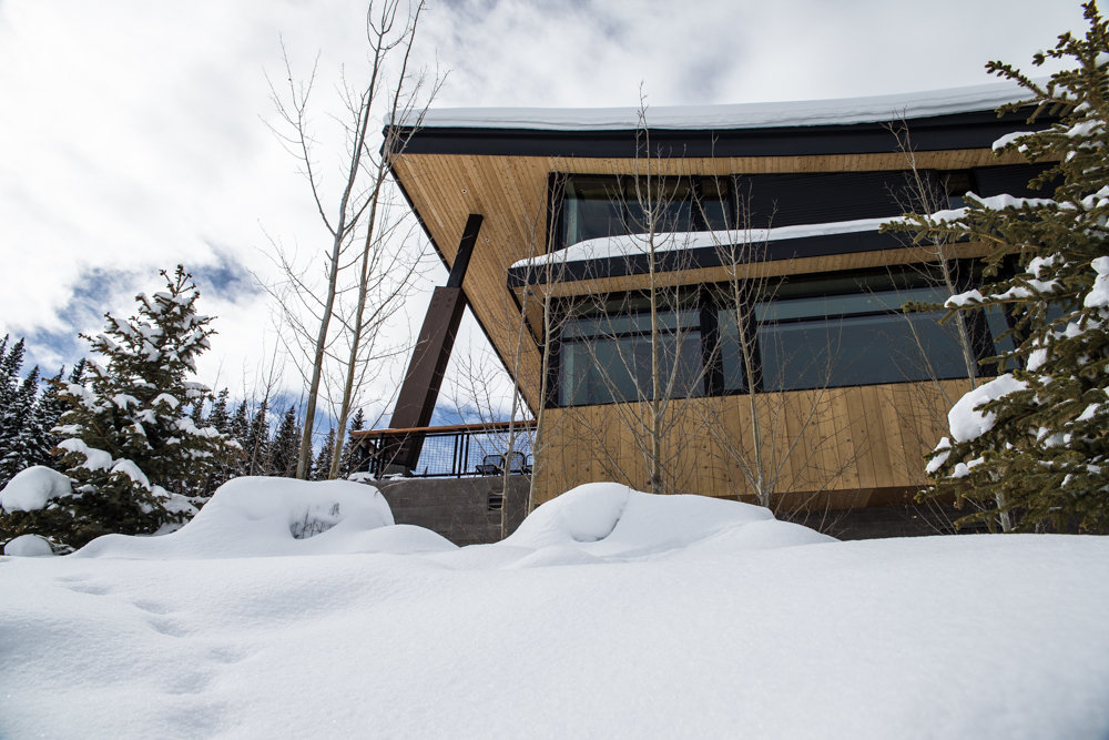 Modern mountain architecture mixes in at Elk Camp Lodge. - ©Liam Doran