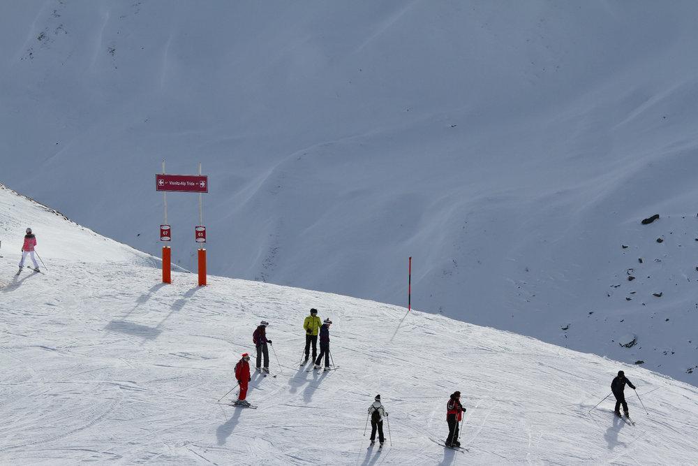 Skifahrer auf dem Weg zur Alp Trida - © Skiinfo