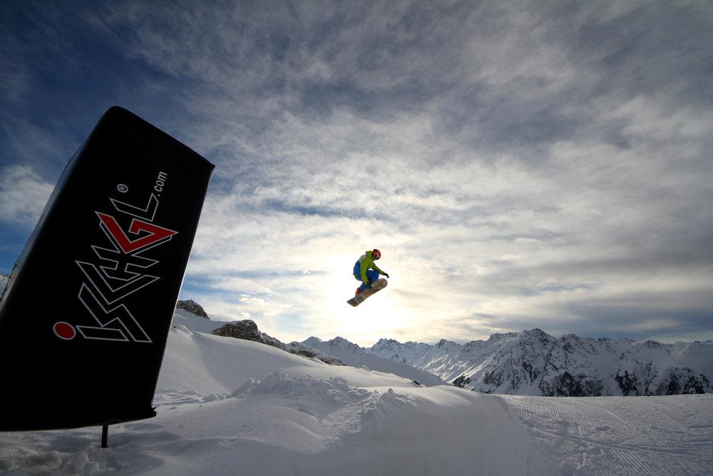 Snowboardzista w Ischgl - © Skiinfo