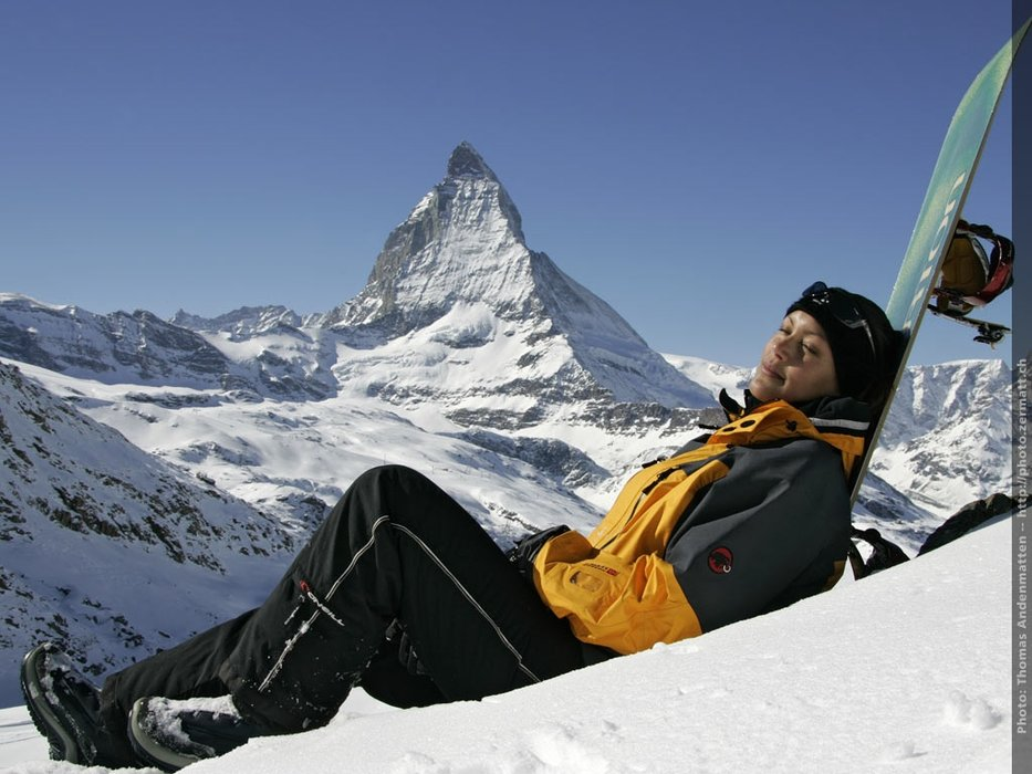 Soaking up some sun next to the Matterhorn. - © Zermatt Tourism