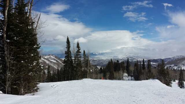 Beautiful Saturday snowboarding/skiing. First time here and loving it!