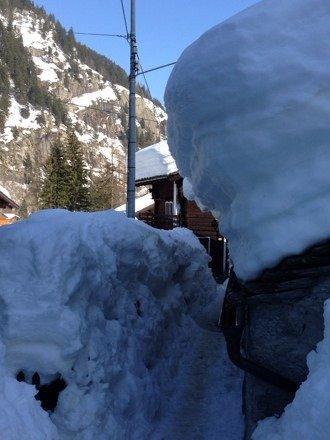 Particolare a Isella.... Veramente tanta neve....