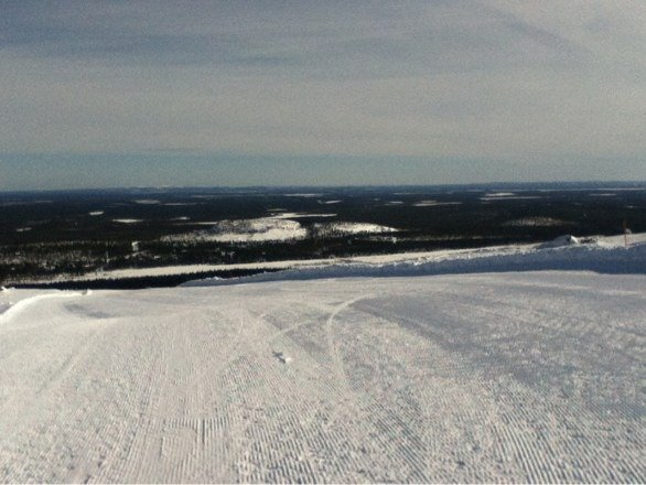 Finland's Luosto ski area topped off a great long weekend in Lapland.  Snow was very nice and it was a cool, clear day.