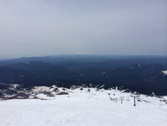 Great day out on mt hood took a bunch of runs top of Palmer to the storming Norman. Very long way down