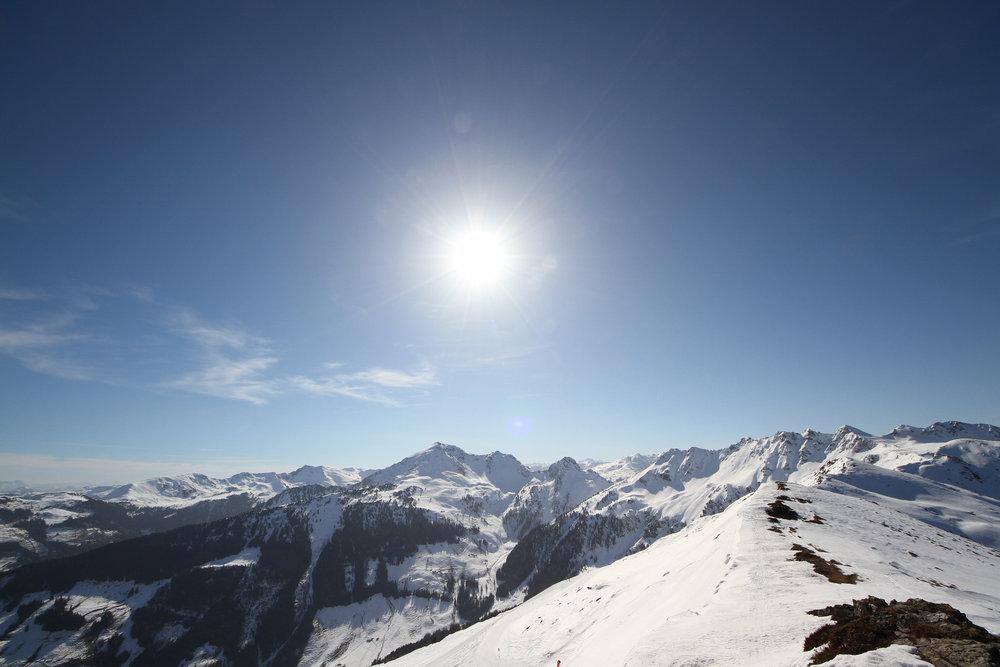Tolle Ausblicke vom höchsten Punkt des Skigebiets Alpbachtal Wildschönau, dem Ende des Hornlifts - © Skiinfo