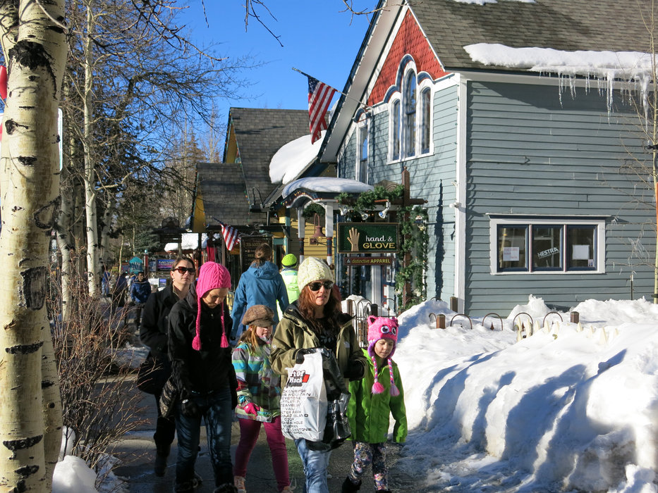 Family on the go in Breckenridge - ©Micaela Romani
