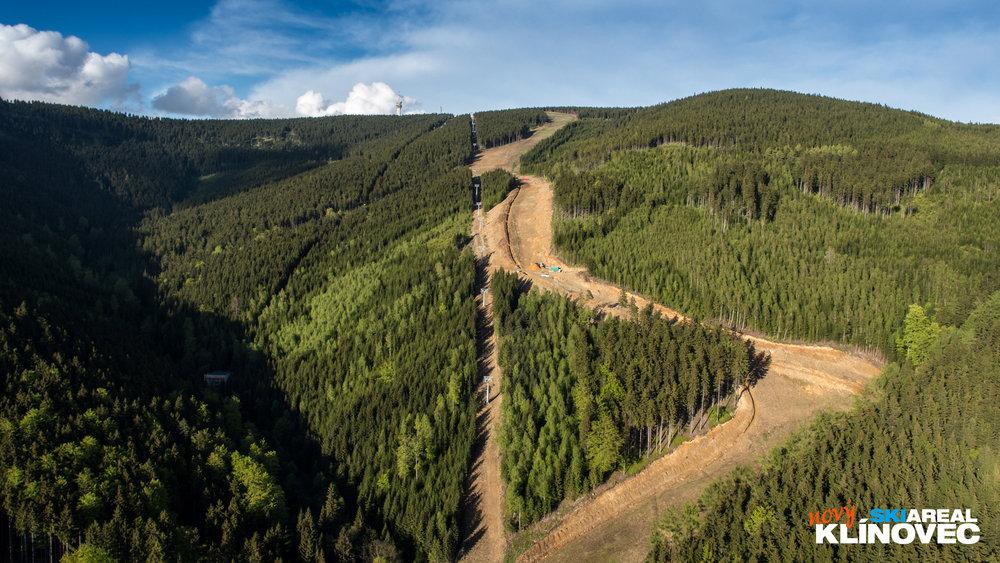 Nowa trasa przeznaczona jest głównie dla średniozaawansowanych narciarzy. - © Skiareál Klínovec