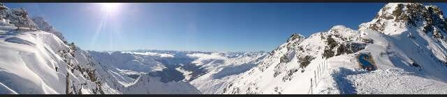 De Kaunertaler gletsjer op 15 april 2014 - © danielchristof