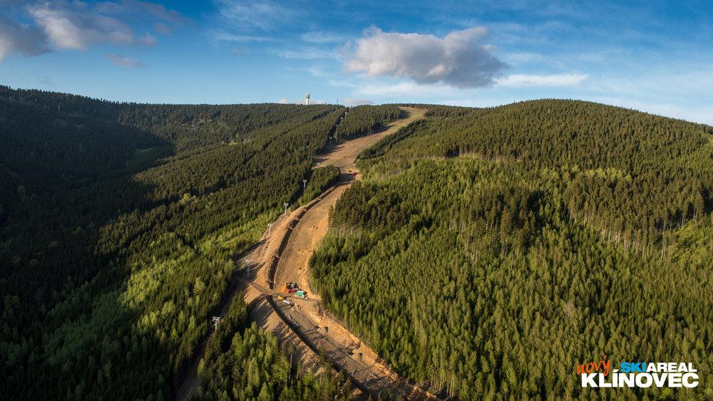 Nowa trasa w wielu miejscach będzie miała prawie 100 metrów szerokości. - © Skiareál Klínovec