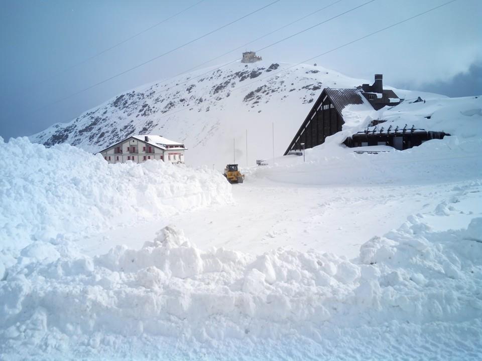 Letná lyžiarska sezóna v Passo Stelvio trvá od júna do novembra! - © U. Capitani