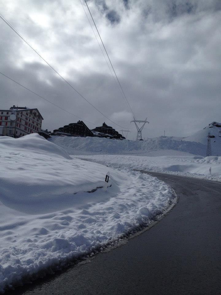 Letný sneh v Alpách - Passo Stelvio 30.6.2014 - © Pirovano