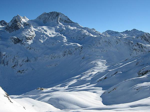 Ski Tour Pizzo Tambo (SUI) - ©Marion Neumann