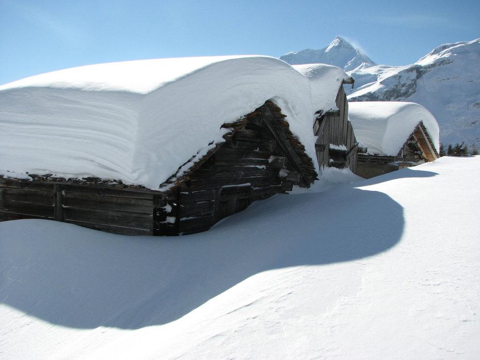 Schneemassen am Pizzo Tambo (SUI) - © Viamala Tourismus