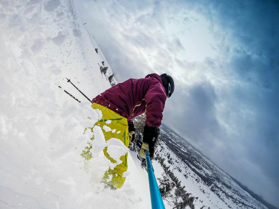 Telemark i Skeikampen-pudder - © Espen S. Rønning