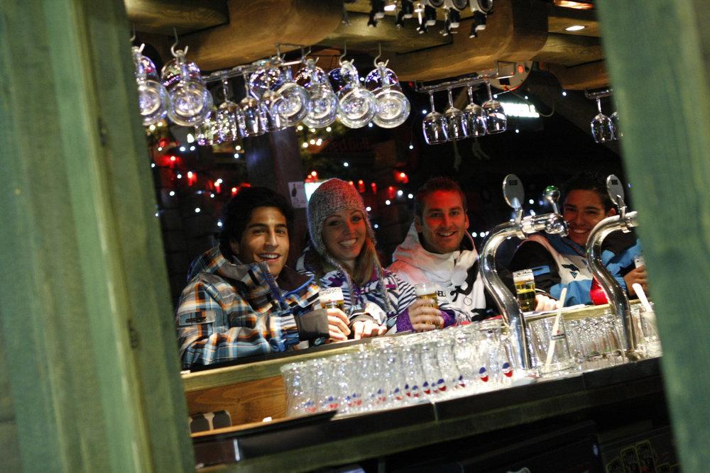 Après le ski, direction l'un des nombreux bars de  SnowWorld Landgraaf - © SnowWorld Landgraaf
