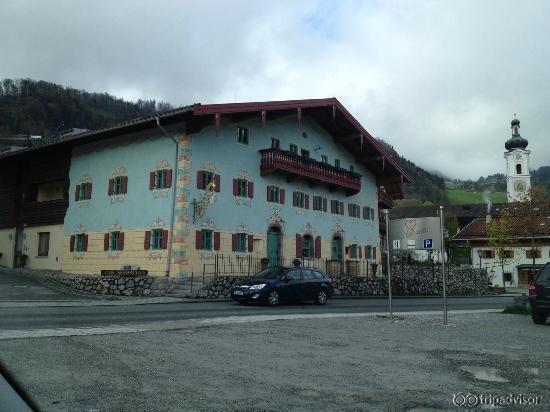 Bernhard's Restaurant & Hotel