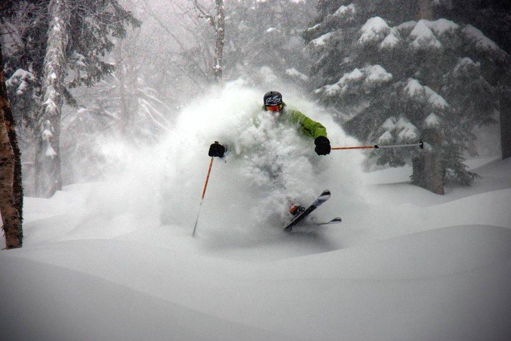 skiing wallpaper iphone