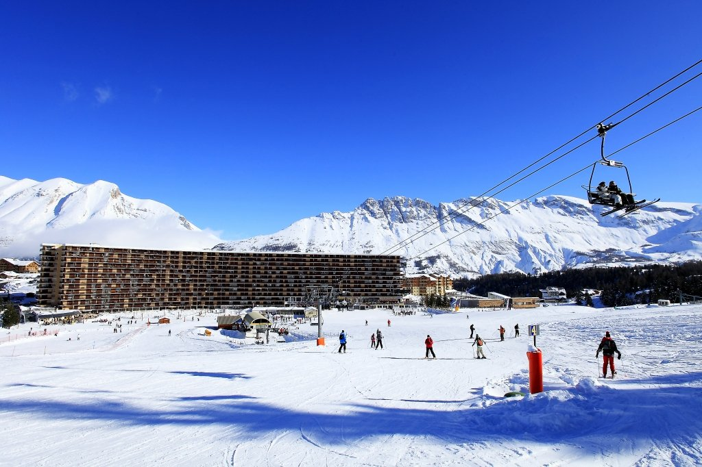 Superdévoluy est la station skis aux pieds par définition - © Office de Tourisme du Dévoluy