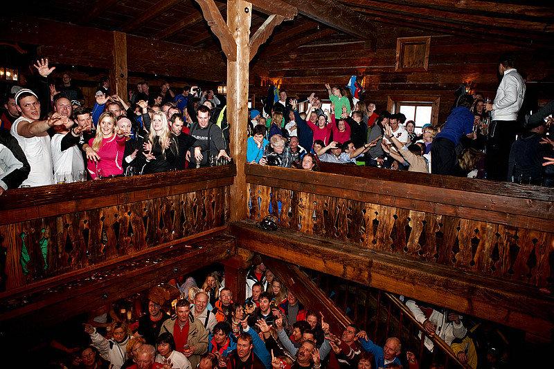 Hinterhag Alm i Saalbach åpner klokken 16. - © Hinterhag Alm