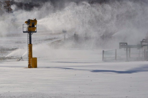 Making snow - ©User: Bailey