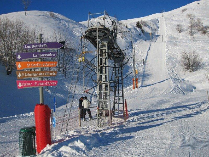 Accès direct aux pistes de ski des Sybelles depuis les Bottières - © OT Les Bottières