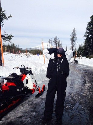 I was mt bachelor snowmobiling December 2. It plenty of snow on trails 2' to 3' of snow, of trail 3.5' to 4.5' of snow