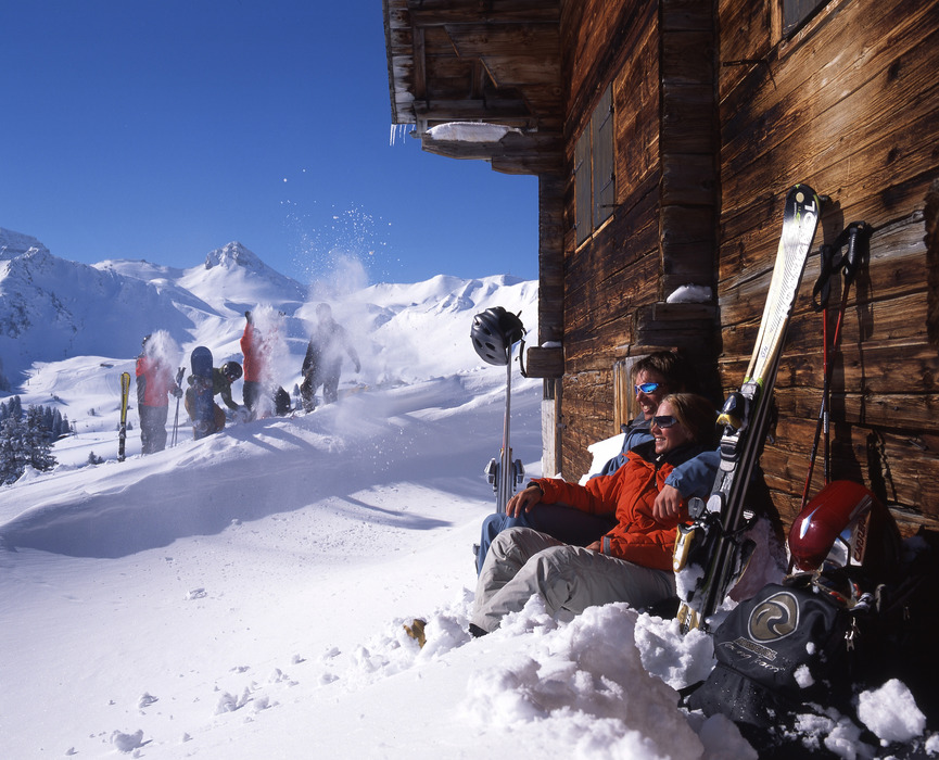 Skiers and boarders relaxing in Adelboden.photoplus.ch/ Photo by Christof Sonderegger