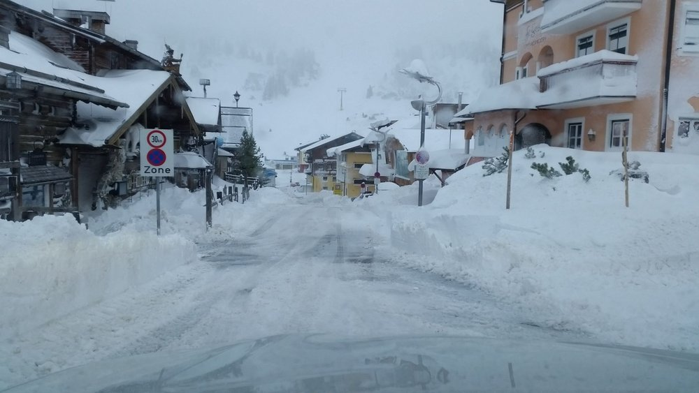 Fresh snow in Obertauern, Austria - Oct 24, 2014