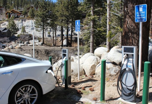 Electric Vehicle owners can now charge their car while skiing at Diamond Peak