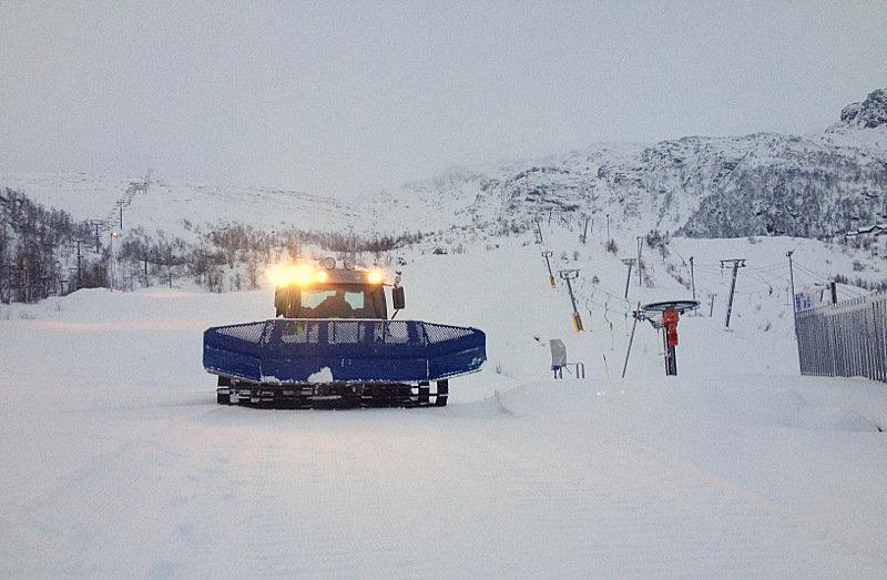 null - © Den siste uken har det lavet ned godt med snø i Eikedalen Skisenter. Natt til torsdag har det kommet 15 cm og det er meldt enda mer de neste dagene.
